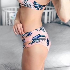 Cupshe Swim - 🎉HP!🎉 Cupshe Pink & Green Palm Leaf Bikini